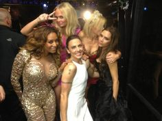 Spice Girls at the Closing Ceremonies spice up your life!