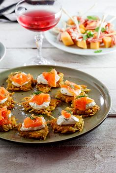 Starters & Canapés: Rösti with Smoked Salmon & cream cheese - Simply Delicious Smoked Salmon Canapes, Smoked Salmon Cream Cheese, Lemon Potatoes, Serving Platters, Bruschetta, Afternoon Tea, Appetizers, Yummy Food, Stuffed Peppers