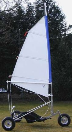 Landsegler, Strandsegler, sail buggy, sail trike, Produkte Kayak Boats, Canoe And Kayak, Wind Car, Char A Voile, Boat Design, Small Boats, Rowing, Water Crafts, Gliders
