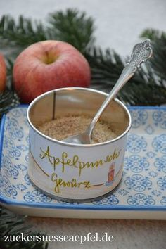 An apple punch spice as a gift from the kitchen - Gewürze, Pasten, Pulver - Drink Punch, Drink Recipe Book, Winter Drinks, Spiced Apples, Christmas Cookies, Diy Gifts, Goodies, Food And Drink, Presents