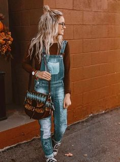 I don't think I have met a single person that is nor obsessed with overalls than me thank Jesus I'm short enough that I get zero camel for in overalls/playsuitss/ or rompers lol!