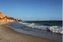 De olho em ajudar cada vez mais as praias brasileiras a conquistarem o cobiçado certificado Blue Flag (bandeira azul), o Ministério do Turismo (MTur) tem desenvolvido uma série de ações voltadas para a educação ambiental e melhoria da infraestrutura nos destinos turísticos do litoral do país. Leia mais