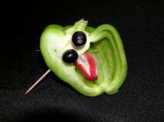 Vegetable Sculpture: Face  Kitchen Window - Knife Fest 2008.  www.kitchenwindow.com