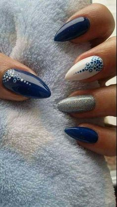 Nails design matte glitter art ideas ideas for 2019 Blue Nails, White Nails, Shellac Nails, My Nails, Acrylic Nails, Nails Design With Rhinestones, Nail Swag, Super Nails, Nagel Gel