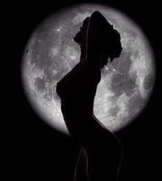 Woman and Moon Silhouette Photography, Moon Photography, Beauty Photography, Creative Photography, Beautiful Moon, Moon Goddess, Foto Art, Full Moon, Full Full