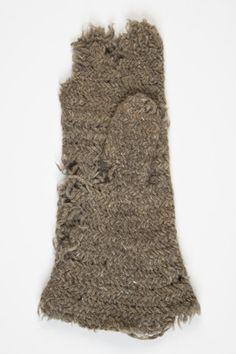The Estonian National Museum, nalbound mittens, material wool; Eesti Rahva Muuseum, kindad nõelkindad, Materjal villane
