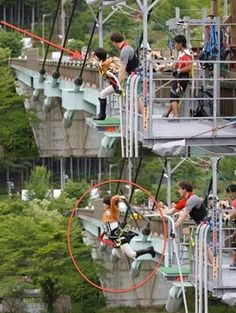 I WANT TO DO THAT. zipline in your cosplay...best idea EVER. Especially like this. lol it makes so much sense xD