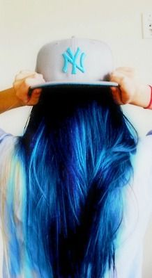 shades of blue hair Love her hair. The colour. And the backwards cap. this is my all time favorite color Love Hair, Gorgeous Hair, Coloured Hair, Dye My Hair, Cool Hair Color, Hair Color Blue, Mermaid Hair, Rainbow Hair, Crazy Hair