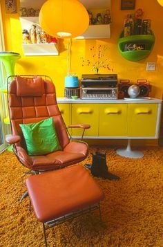 mod interior ( living room / orange chair / yellow credenza / yellow paint / shag carpet ) Lounge Chair and Ottoman - Eames Style - Mid Century Modern Retro Mod Style Retro Furniture, Colorful Furniture, Furniture Ideas, Furniture Removal, Cheap Furniture, Office Furniture, Carpet Diy, Shag Carpet, Carpet Types