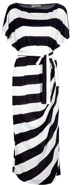 By Malene Birger Takinhi Stripe Dress -would look great with red high heels Fashion Mode, Look Fashion, Fashion Beauty, Womens Fashion, Fashion News, Fall Fashion, Fashion Shoes, Looks Style, Style Me