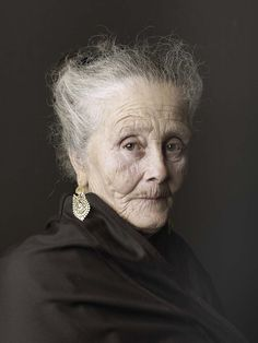 Julia, 2012 © Pierre Gonnord