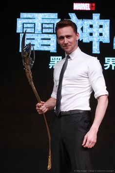 Tom Hiddleston in Beijing. Via Twitter -- why i find  everything he does so sexualy arousing?