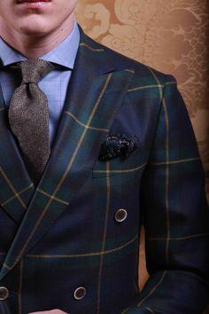 Veste croisée 6 boutons en laine vierge. Motif tartan! #WicketSoBritish
