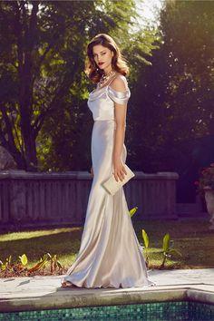 Jenny Yoo #wedding dress with drop sleeves and wavy locks.