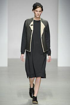 Margaret Howell RTW Fall 2014 - Slideshow - Runway, Fashion Week, Fashion Shows, Reviews and Fashion Images - WWD.com