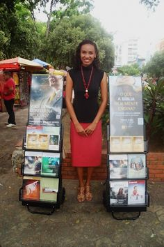 Brazil - Public witnessing with portable literature carts. Books, magazines and videos can be found in hundreds of languages and downloaded free at JW.org.  #literature_cart