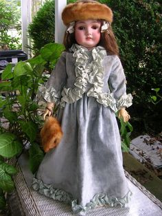 ANTIQUE ARMAND MARSEILLE QUEEN LOUISE DOLL 26 INCHES BISQUE GERMANY
