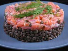 lentille verte, saumon frais, saumon fumé, échalote, cornichons, câpres, citron, orange, huile d'olive, piment, oignon, clou de girofle...