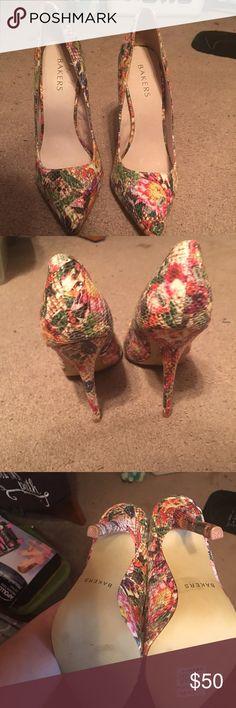 Bakers Heals Never worn! Bakers Shoes Heels