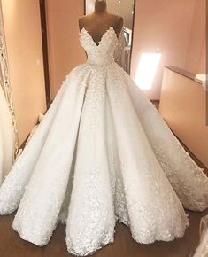 Jan 2019 - American wedding dress designers specializing in custom made to order wedding gowns & evening dresses you can afford from the USA. Luxury Wedding Dress, Wedding Dress Trends, Princess Wedding Dresses, Best Wedding Dresses, Designer Wedding Dresses, Bridal Dresses, Wedding Gowns, Arabic Wedding Dresses, Making A Wedding Dress