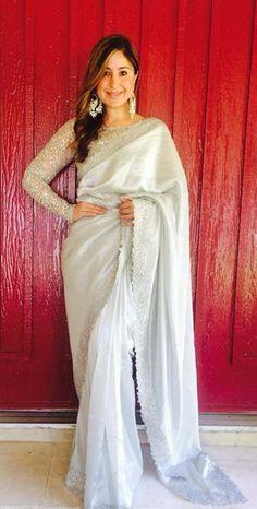Gorgeous Saree #saree #sari #blouse #indian #hp #outfit #shaadi #bridal #fashion #style #desi #designer #wedding #gorgeous #beautiful