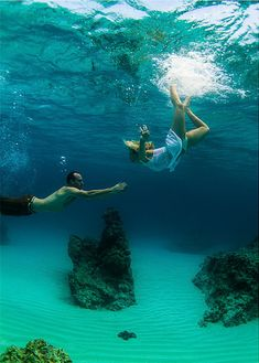 Having A Destination Wedding Learn All About Underwater Photography Al Photos