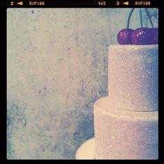 Glitter wedding cake? I think YES