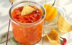 Překvapte přátele na grilování: Připravte jim ajvar! Chutneys, Flora, Pesto, Salsa, Mexican, Healthy Recipes, Ethnic Recipes, Dressing, Crickets