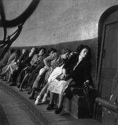 Werner Bischof, Whispering gallery, St Paul's, London, 1950 (via alfiusdebux)