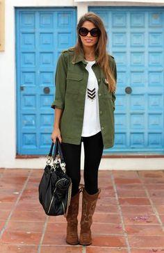 Sendra laarzen zijn niet alleen voor naar een festivalletje! Je kunt ze ook dragen met een zwarte legging, een tuniekje en sieraden voor een comfortabele look op koudere dagen. Shop deze gehele outfit op Miinto.nl.