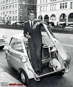 Some style lasts thru time. Cary Grant poses with a late BMW Isetta. Wanna go for a spin, Cary? Bmw Isetta, Cary Grant, Bmw 300, Classic Hollywood, Old Hollywood, Hollywood Actor, Hollywood Stars, Lambretta, Bmw Classic Cars
