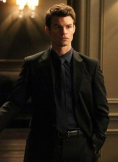 Daniel Gillies (Elijah) The Vampire Diaries