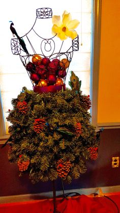 This tutorial was fun and easy! I purchased all decorations from The Dollar Store. Did purchase good garland though. Took an additional 5ft. Very pleased with results. Tutorial was excellent. Easy to follow as it was clear and concise. - Janice B. Henrico,Virginia
