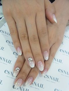 Es Nails does the most natural looking acrylics I have ever seen.
