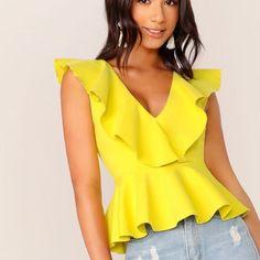 Fashion News, Fashion Outfits, Fashion Styles, Look Blazer, Peplum Tops, Ruffle Trim, Blouses For Women, Women's Blouses, Clothes