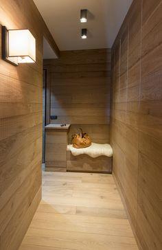 Home - Caracter Chalet Interior, Home Interior Design, Interior Decorating, Chalet Design, House Design, Bohinj, Mountain Homes, Wood Interiors, House Rooms