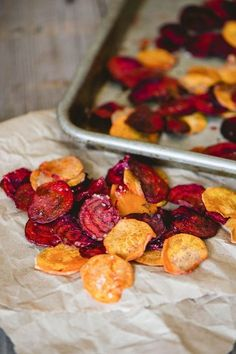 Healthy and Homemade: Beet and Sweet Potato Chips #recipe