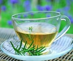 Think about herbal tea if you want to increase energy levels naturally. Coffee is bad news for anyone suffering from low energy levels. Although the caffeine can temporarily relieve feelings of tiredness, it can also create a chemical dependecy in. Herbal Remedies, Health Remedies, Home Remedies, Natural Remedies, Natural Treatments, Rosemary Tea, Lose Weight Naturally, Reduce Weight, Healthy Dieting