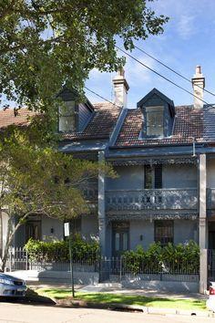 Paddington, Sydney My fav real Aussie terraces 💕💕💕 Terrace House Exterior, Victorian Terrace House, Australia House, Sydney Australia, Beautiful Buildings, Beautiful Homes, Australian Architecture, Architecture Details, My House