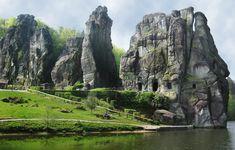 Kleines Wunder der Natur im Herzen Deutschlands: Die Externsteine im Kreis Lippe, Nordrhein-Westfalen Foto:AndreasStrepenick/Semikolon