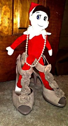 Elf on the Shelf Ideas (lots of photos) @Jennifer Milsaps L Poole good ones :)