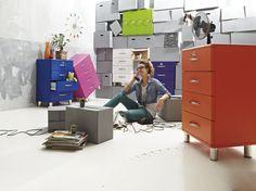 Retro never dies - Schubladenkommode: orange lackierte Kunststoffoberflächen / silberfarbene Füße - fünf Schubladen - Produktnummer: 111216-001-08-340