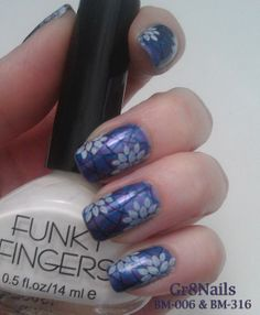 nail stamping using Bundle Monster stamping plates