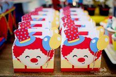 http://michellecastilho.com/o-circo-do-pedro-decoracao-1-ano/