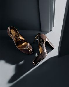 #MAXMARA   Dhyan Bodha D'Erasmo & G   Shoes Still Life ...now go forth and share that BOW & DIAMOND style ppl! Lol ;-) xx