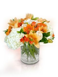 This modern, #delicate and stylish #bouquet is the bouquet of the day. Visit www.flowersdeliveryhouston.com and see la the bouquets we have to offer you. #flowers