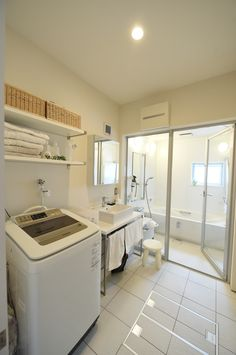 白で統一された洗面。| D'S STYLE(ディーズスタイル