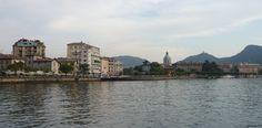 Veduta dal lago della città di Como: lungolago Lario Trieste e cupola del Duomo di Como