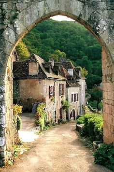 Saint-Cirq Lapopie, France.