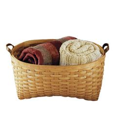 Baskets with blankets for the ushers to hand out for the sleigh ride w/family & friends.